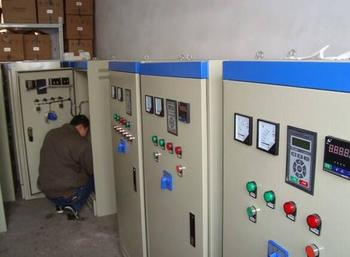 利瑞電氣公司(圖),變頻器控制柜生產廠家,青島變頻器控制柜