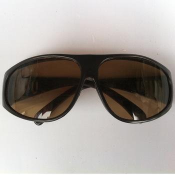 厂家直销 供应防尘电焊.劳保眼镜 东裕全框架平光镜批发 正品特价