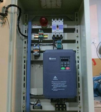 變頻器控制柜生產廠家、菏澤變頻器控制柜、利瑞電氣公司