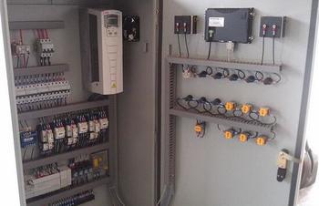 變頻器控制柜價格,濟南利瑞電氣(在線咨詢),臨沂變頻器控制柜