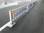 供應防眩板道路護欄   云南道路標牌廠    加工定做市政道路護欄